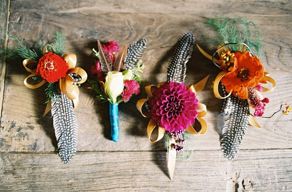 autumn wedding ideas feathers