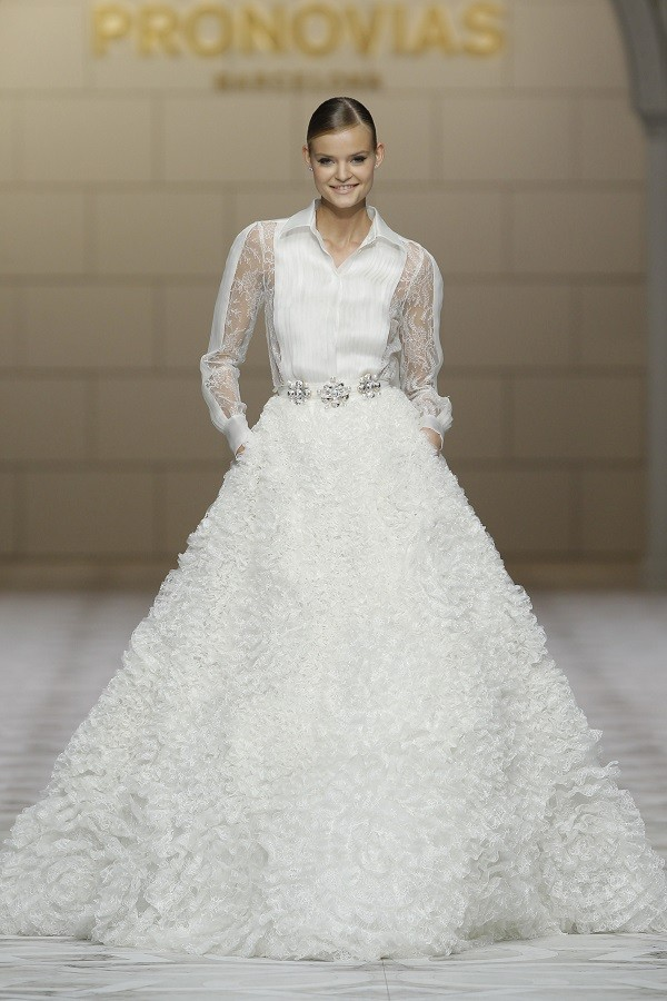 wedding dress big skirts 2
