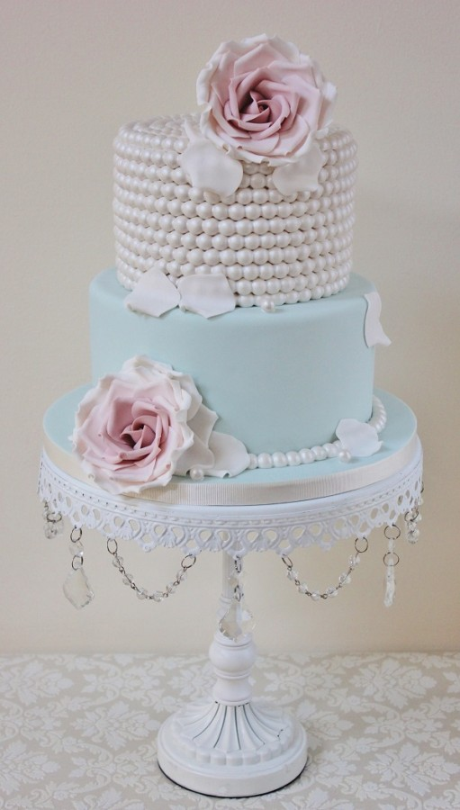 Wedding cake trends vintage beaded cake