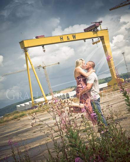 unique engagement shoot ideas landmark
