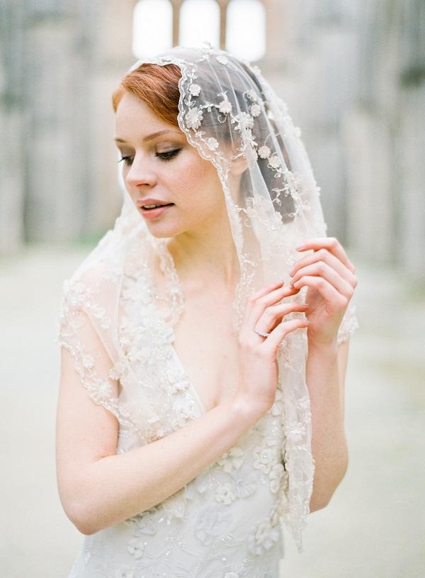A guide to wedding veils styles wedding journal wedding veils guide junglespirit Choice Image