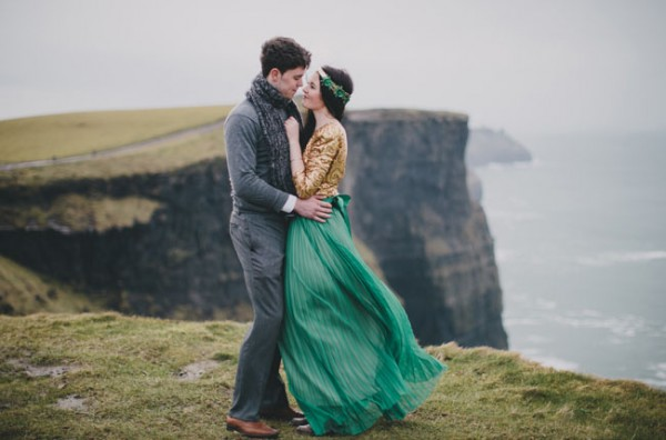 unique engagement shoot ideas cliffs of moher