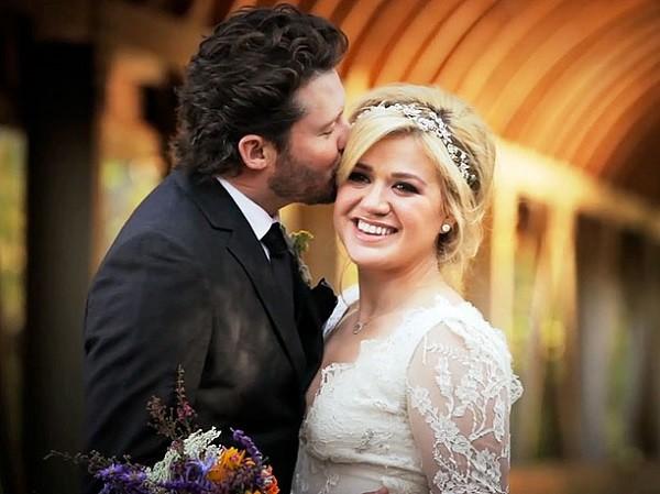 Bridal hair round face Kelly Clarkson