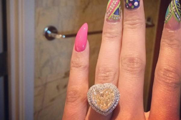 Nicki Minaj engagement ring