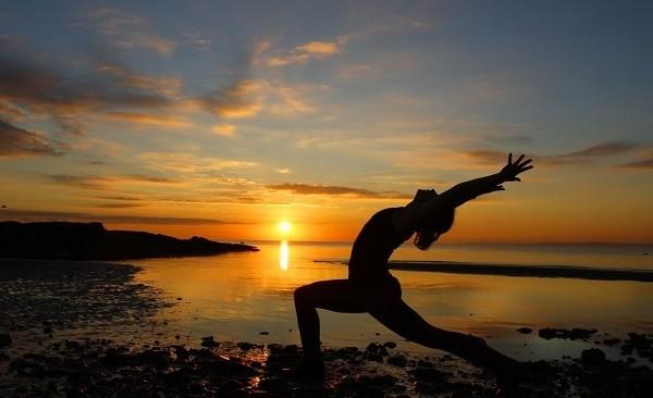 unusual yoga, full moon yoga