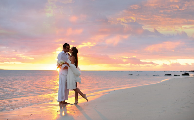 Say I Do With The Sun On Your Face And Sand Between Toes Our Top Tips For Planning A Destination Wedding