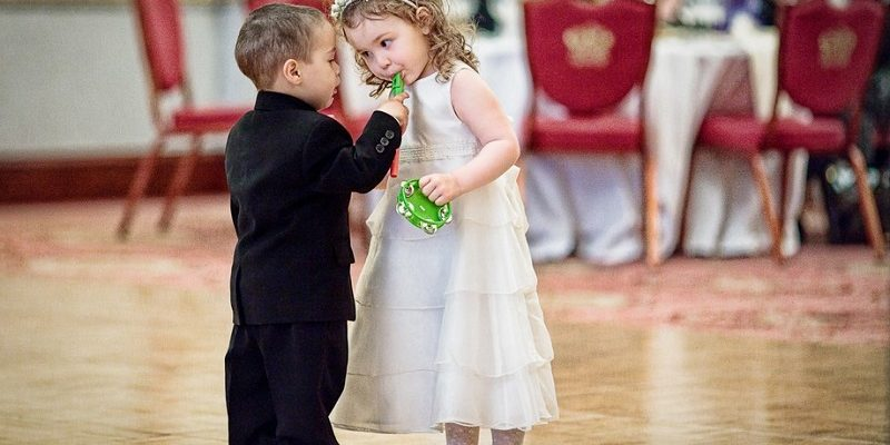 kids at a wedding