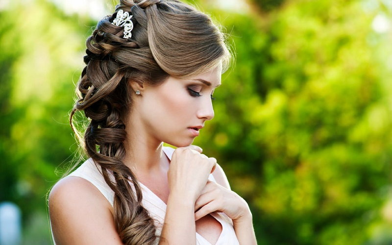 wedding highs and lows bridal hairstyle guide. Black Bedroom Furniture Sets. Home Design Ideas