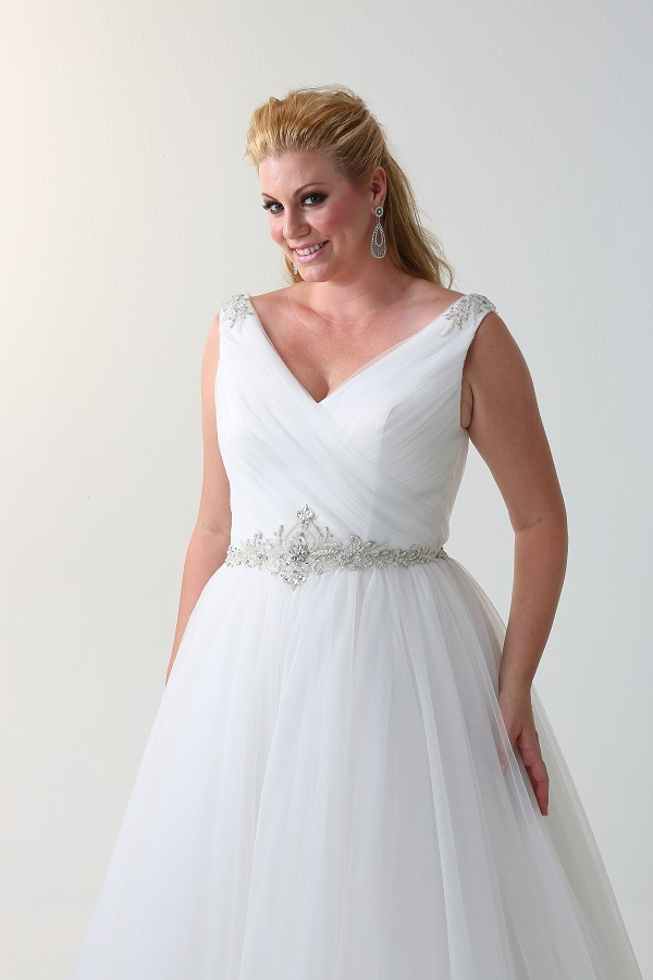 curvy bride - ballgown wedding dress (1)