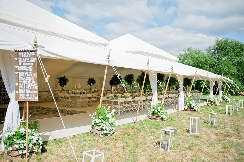 Modern wedding trends Go Green - foliage in the Pearl Tent 4