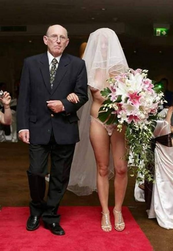 14 of the weirdest wedding dresses ever!
