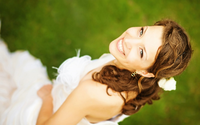 Pre-wedding teeth whitening