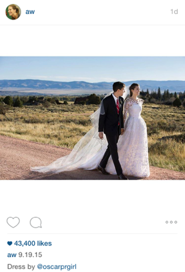 girls star marries in oscar de la renta