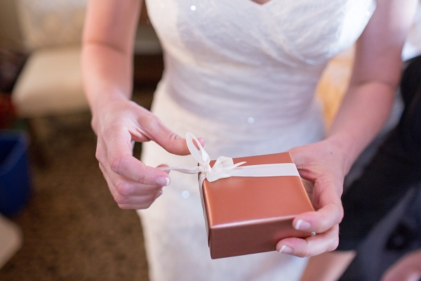90% of wedding guests want couples to have a gift list