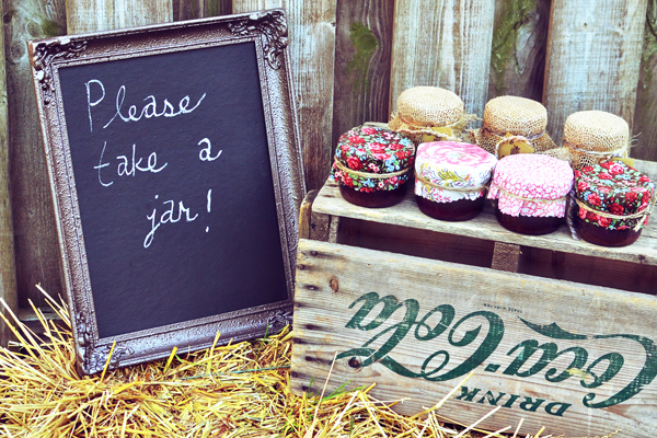 Chalkboard favour idea - intimateweddings.com