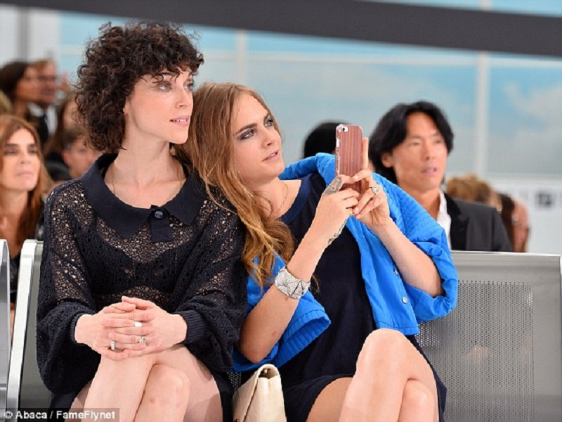 Cara Delevingne and St. Vincent married in secret?