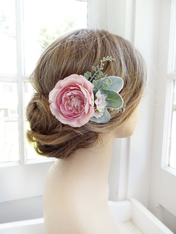 Peony flower clip from thehoneycomb on Etsy