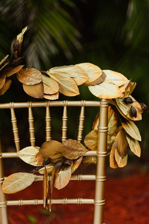 gilded leaves photo by Merari Photography
