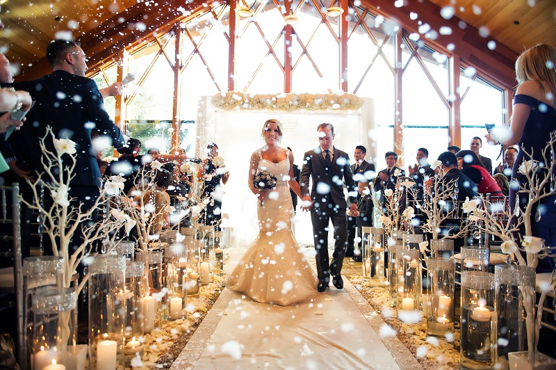 Save Money On Your Winter Wedding With These Top Budgeting Tips
