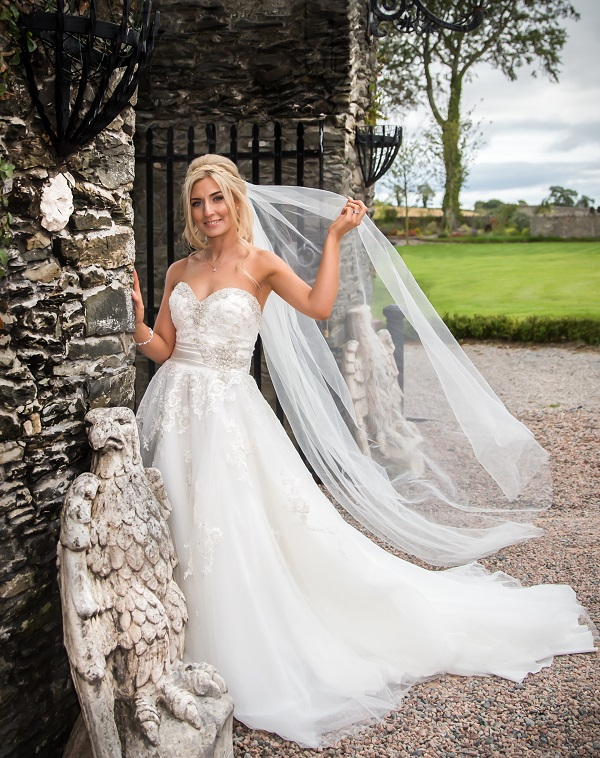 Win a £25,000 wedding InVogue Phot (3)