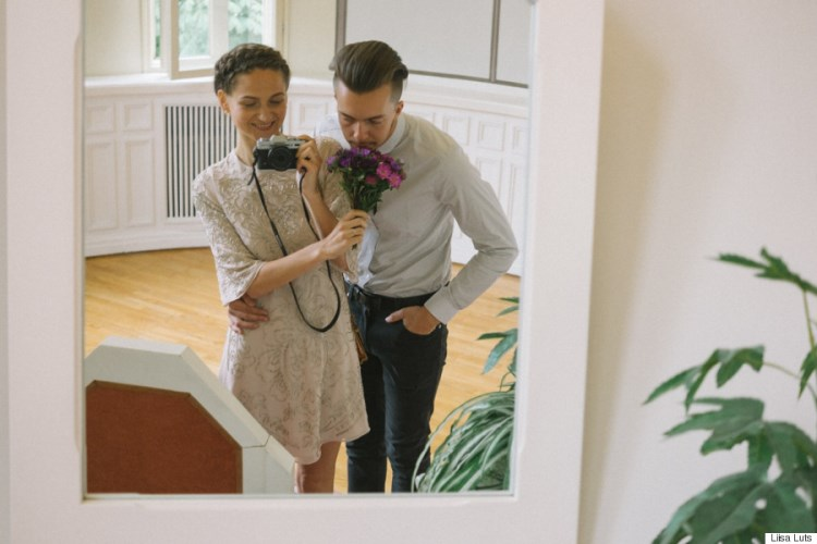 bride takes her own wedding pictures