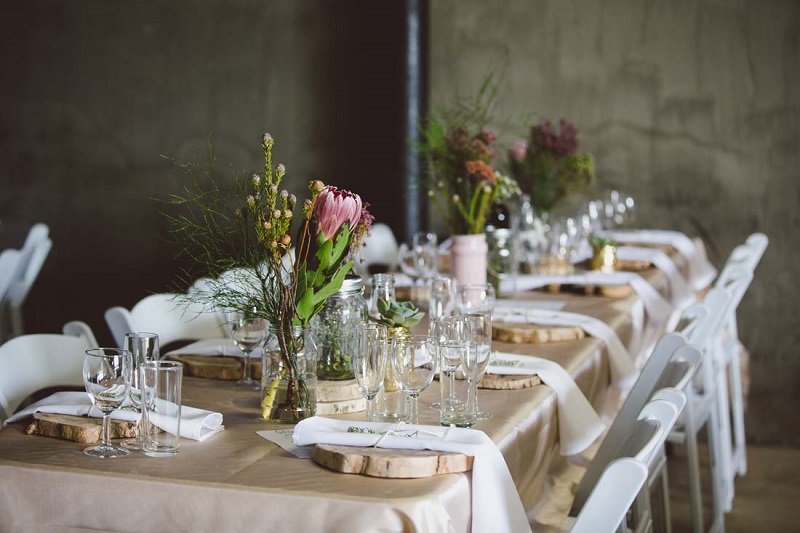 barn wedding styling - clever wedding ideas