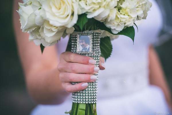 Nine ways to honour a lost loved one on your wedding day