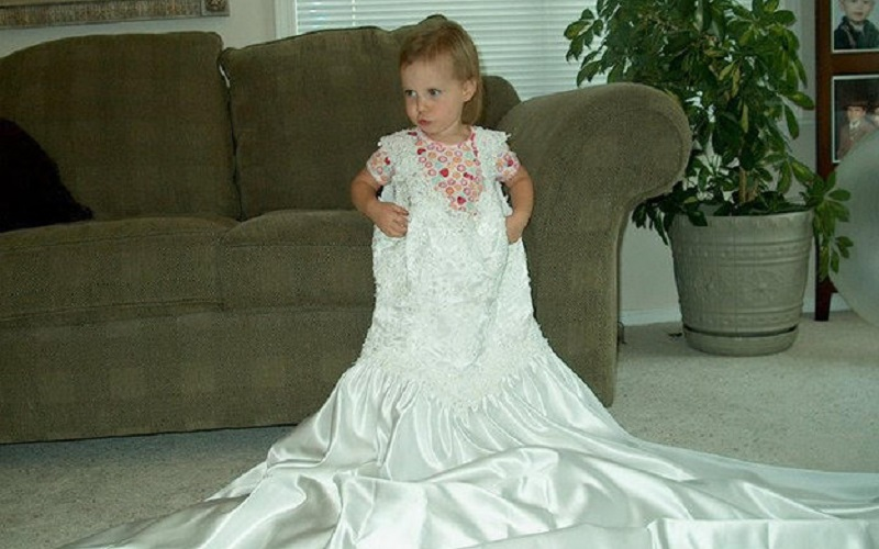 Mum photographs daughter wearing her wedding dress annualy since birth