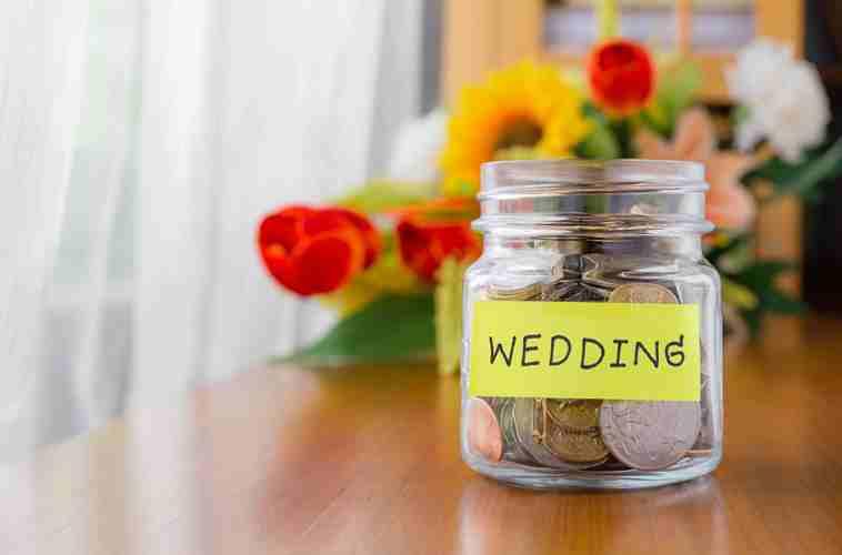 spend less on wedding 5