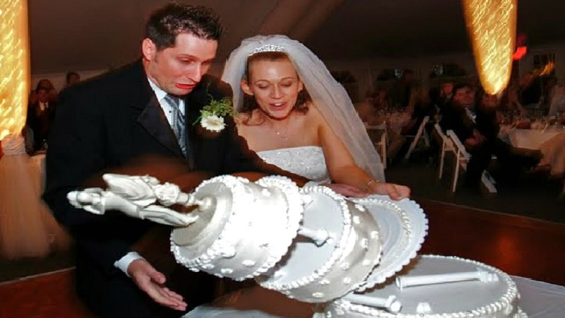 wedding day fails - cake