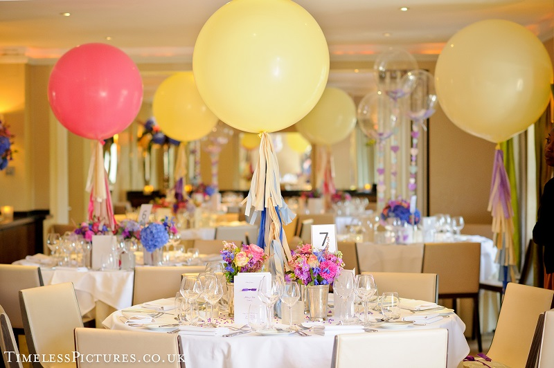 wedding balloon ideas - table centrepices