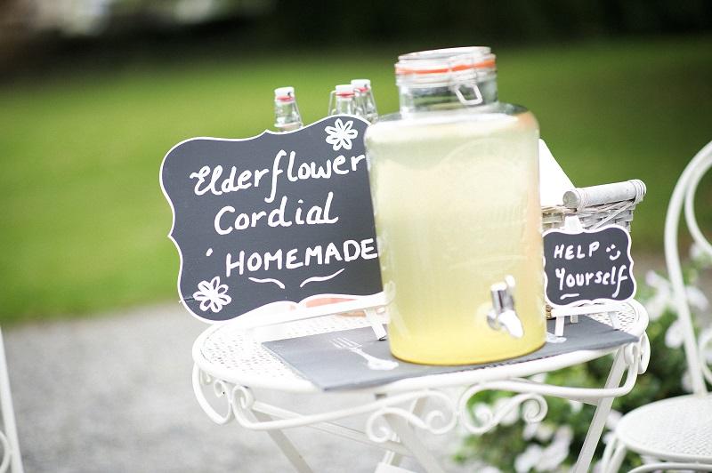 outdoor wedding styling - signage