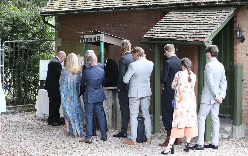 Fifi Geldof gets married 3