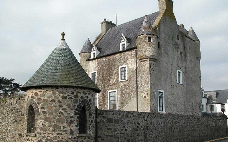 Irish wedding venues for a Halloween wedding 6