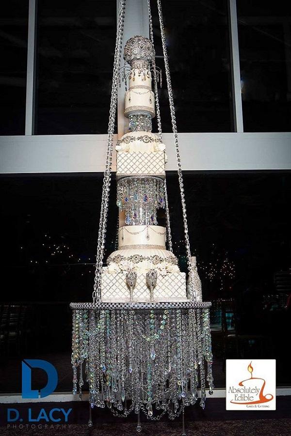 Chandelier wedding cake 2