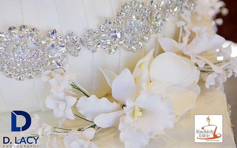Chandelier wedding cake 5