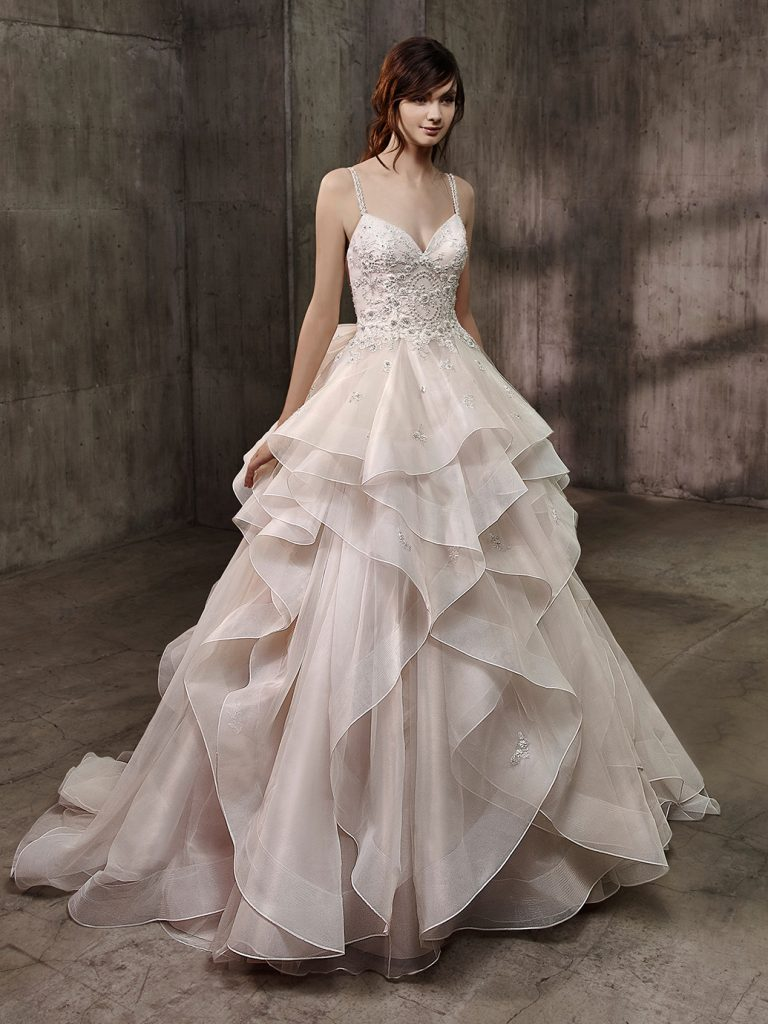 4012e661fe8c Top Bridal Trends For 2018 | Wedding Journal
