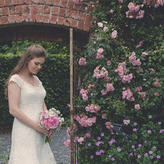 Ballyscullion-Park-Bride-in-Garden