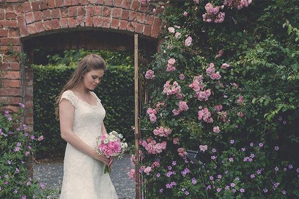 Ballyscullion-Park-Bride-in-Garden