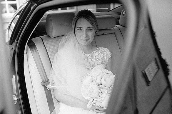 Ballyscullion-Park-bride-in-car