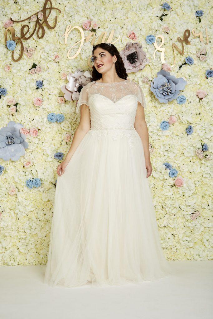 336a50a744658 Curvy Wedding Dress Trends For 2018 | Wedding Journal