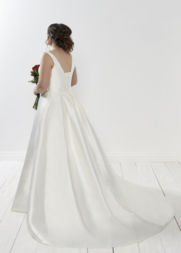 Curvy Wedding Dress Style