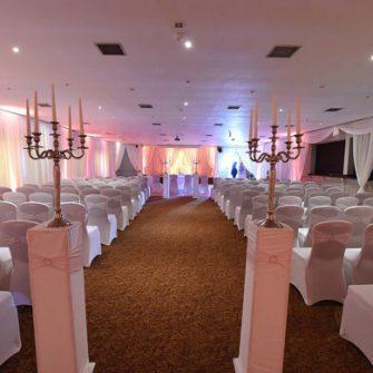 The Glenside Hotel aisle