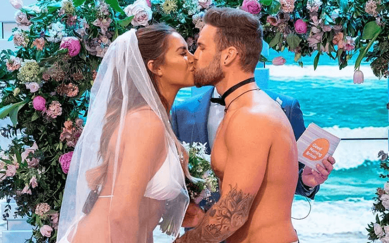 Love-Island-Wedding-Jess-and-Dom-01