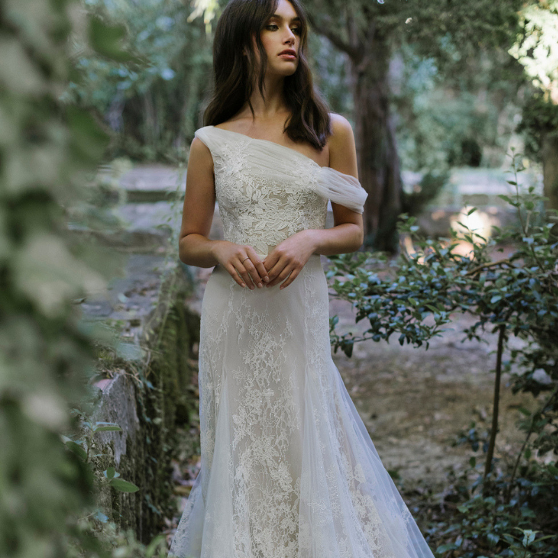 Destination-Wedding-Dress-Lili-Hod