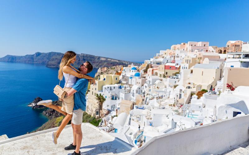 12-Stress-Free-Steps-To-Help-You-Plan -Your-Wedding-Honeymoon (1)