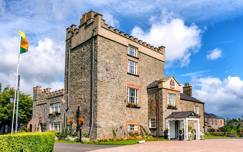 17 Fairytale Castle Venues in Ireland-Featured-Image-Darver-Castle